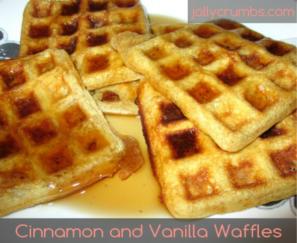 Cinnamon and Vanilla Waffles | jollycrumbs.com
