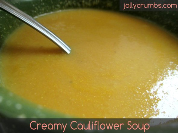 Creamy Cauliflower Soup | jollycrumbs.com