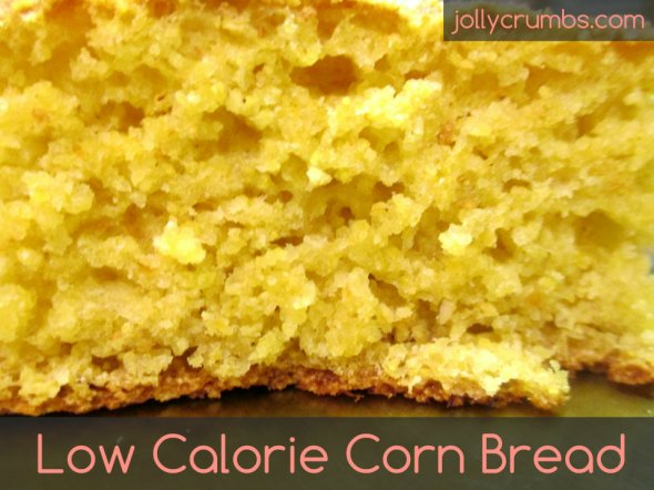 Low Calorie Corn Bread | jollycrumbs.com