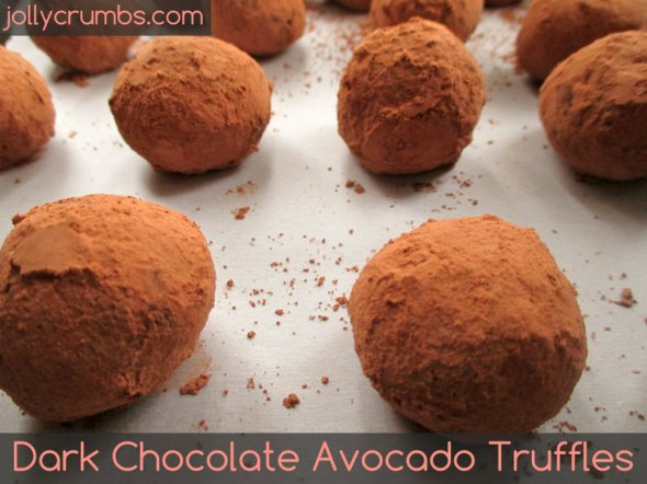 Dark Chocolate Avocado Truffles | jollycrumbs.com