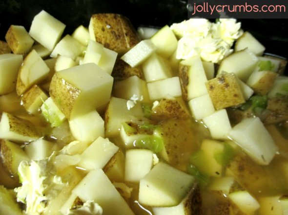 Crock Pot Potato Soup | jollycrumbs.com