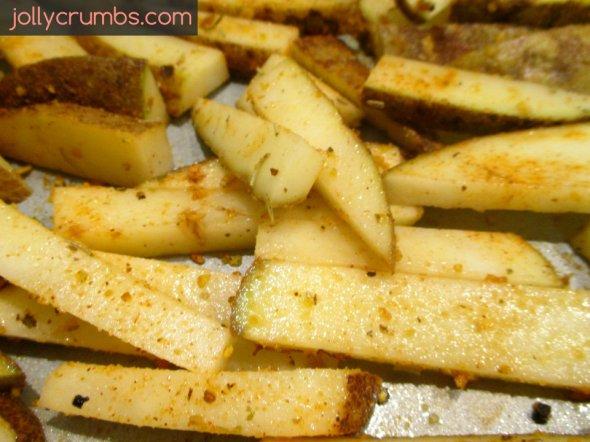 Seasoned Oven Fries | jollycrumbs.com