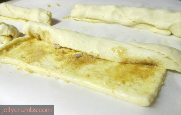 Crescent Cheese Danishes | jollycrumbs.com