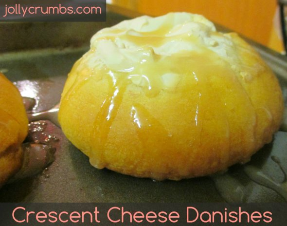Crescent Cheese Danishes | jollycrumbs.com