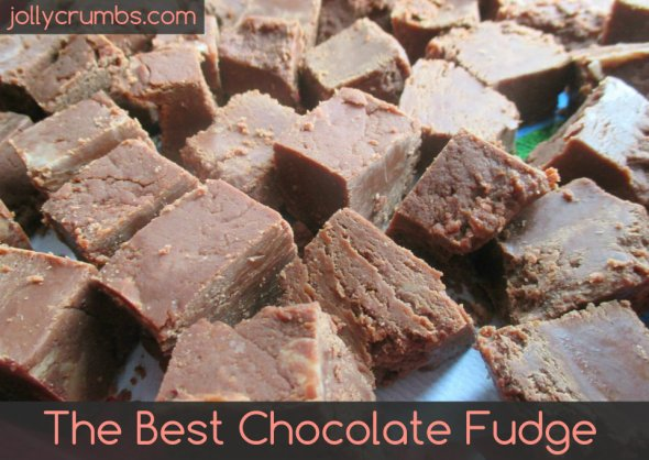The Best Chocolate Fudge | jollycrumbs.com