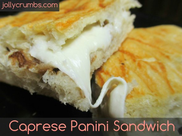 Caprese Panini Sandwich | jollycrumbs.com