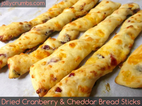 Dried Cranberry and Cheddar Bread Sticks | jollycrumbs.com