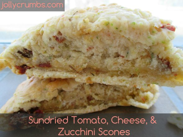 Sun Dried Tomato, Cheese, & Zucchini Scones | jollycrumbs.com