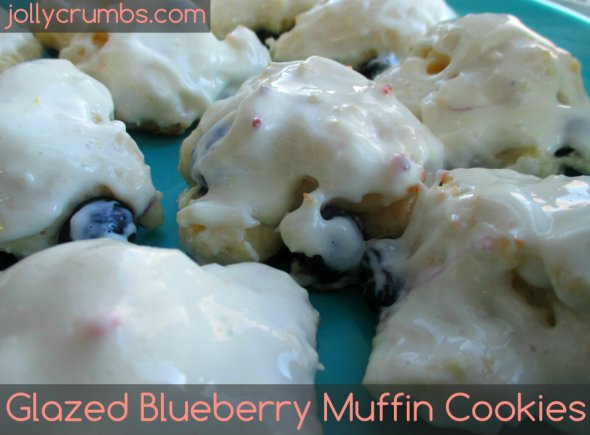 Glazed Blueberry Muffin Cookies | jollycrumbs.com
