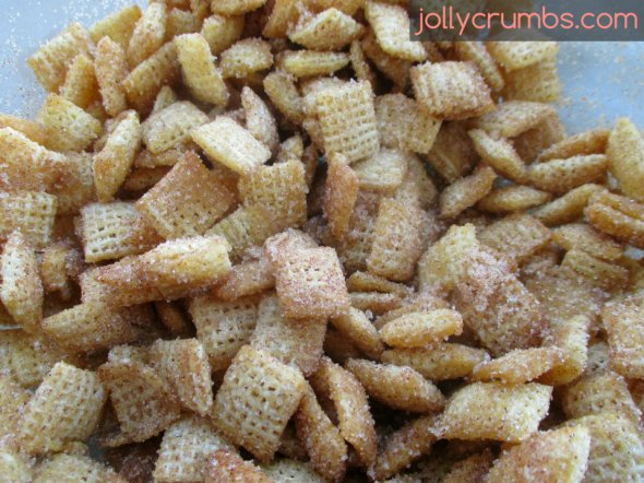Cinnamon Sugar Chex Mix | jollycrumbs.com