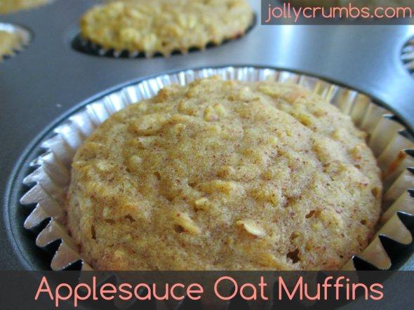 Applesauce Oat Muffins | jollycrumbs.com
