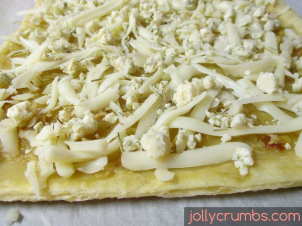 Roasted Garlic Flatbread | jollycrumbs.com