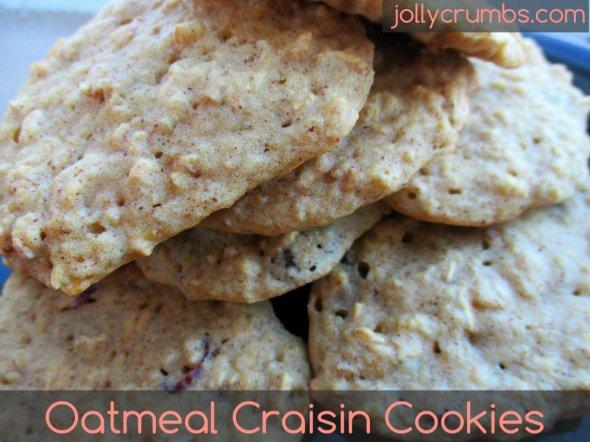 Oatmeal Craisin Cookies | jollycrumbs.com