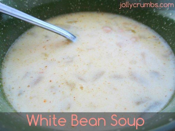 White Bean Soup | jollycrumbs.com