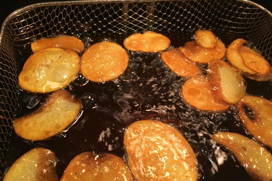 Easy fried potato chips